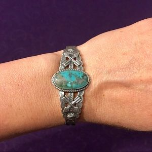 Jewelry - VINTAGE TURQUOISE sterling silver cuff bracelet